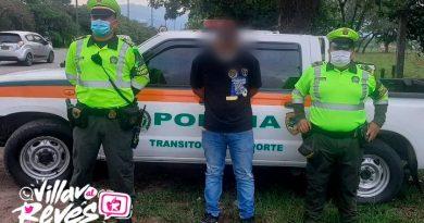 Tres detenidos en la vía entre Villavicencio y Restrepo, por falsedad en licencias de conducción