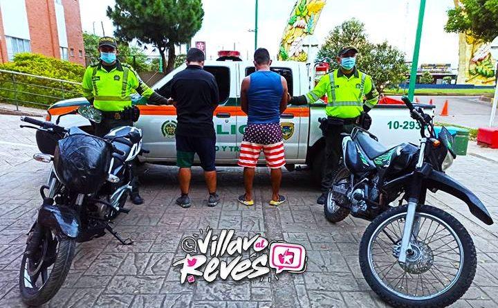 Dos capturados en vía a Puerto Gaitán transportando motocicletas hurtadas