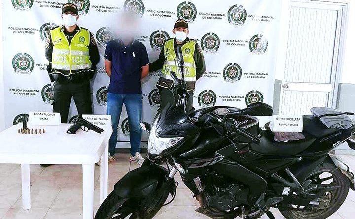 Capturado en San Martín mientras se movilizaba en moto con un arma de fuego en su poder